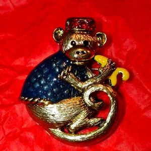The cutest little monkey brooch ever!